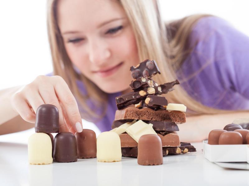 Bild zu Schokoküsse und Schokoladenstücke