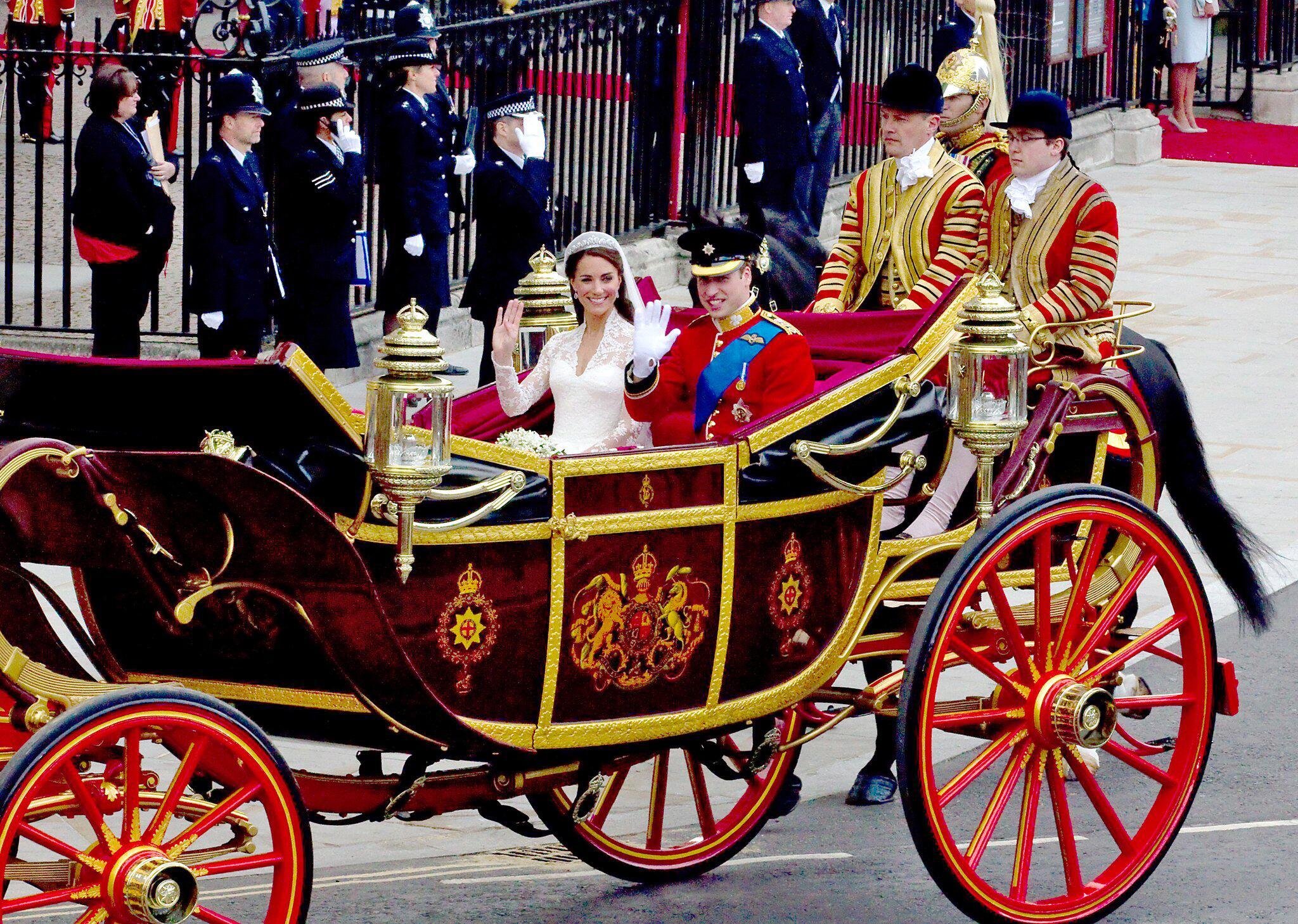 Harry Und Meghan Wahlen Offene Kutsche Fur Hochzeitsprozession Gmx