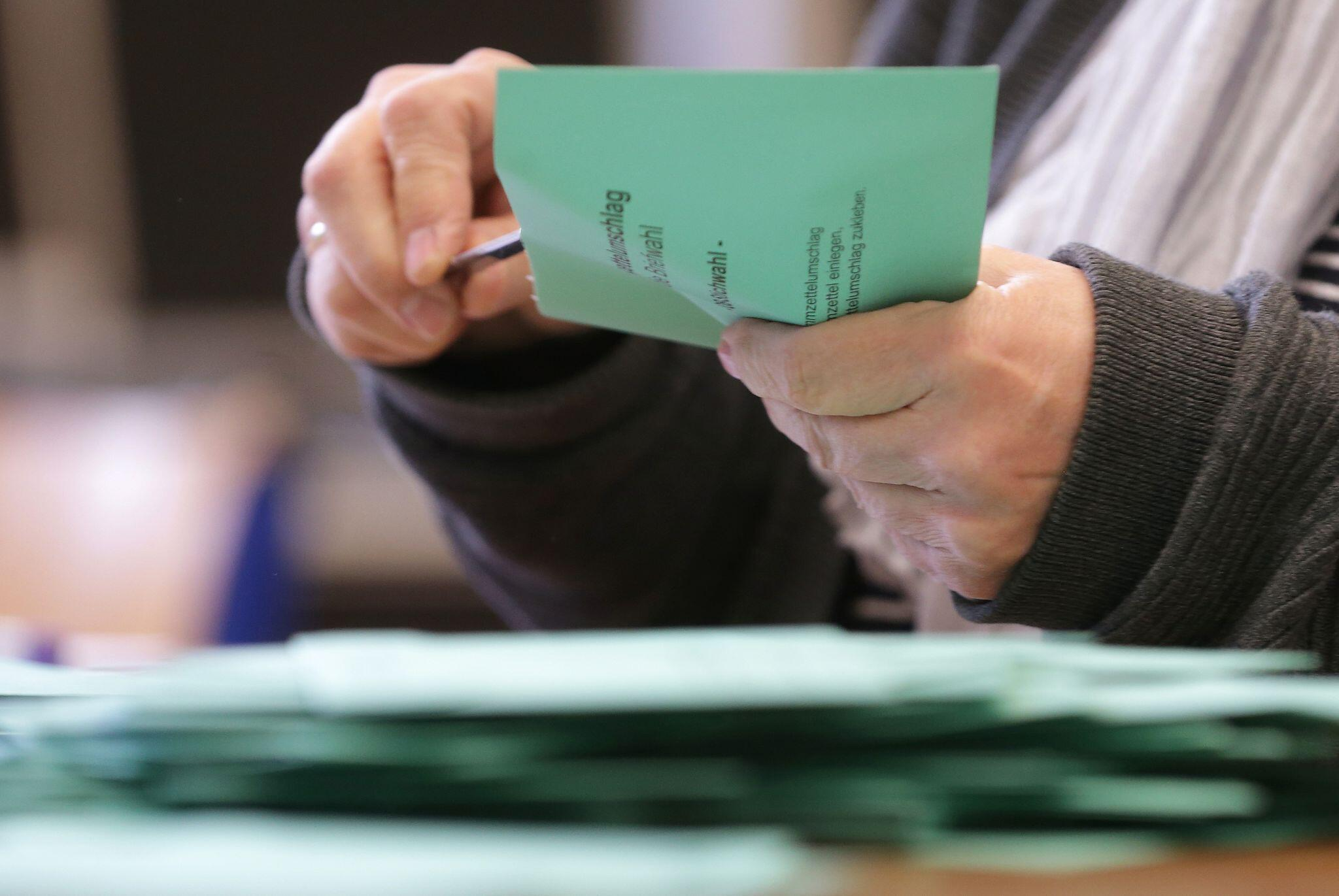 Bild zu Stichwahlen Nordrhein-Westfalen - Stimmauszählung