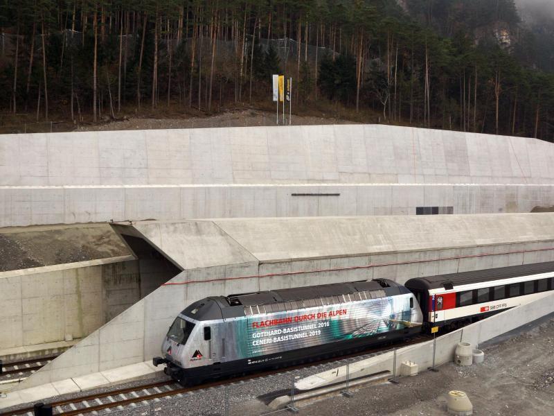 Bild zu Gotthard-Basistunnel