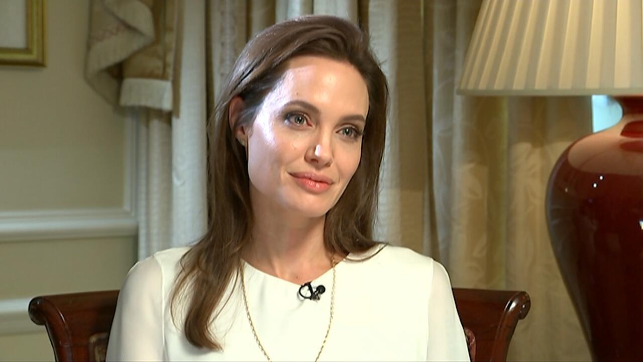 Bild zu Angelina Jolie spricht ueber Trennung