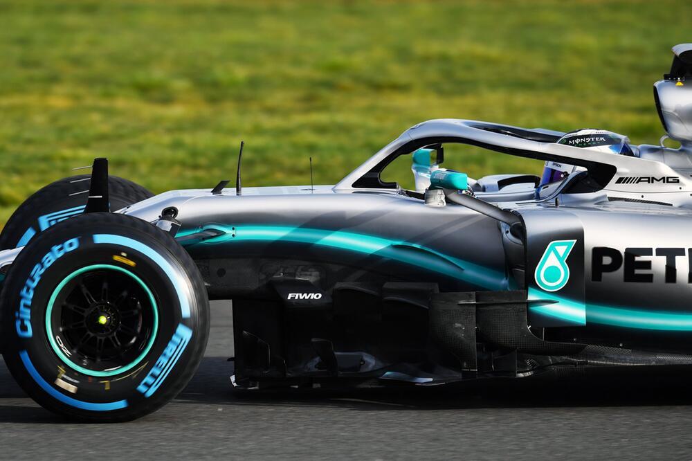 Formel 1 - Mercedes Rennwagen W10