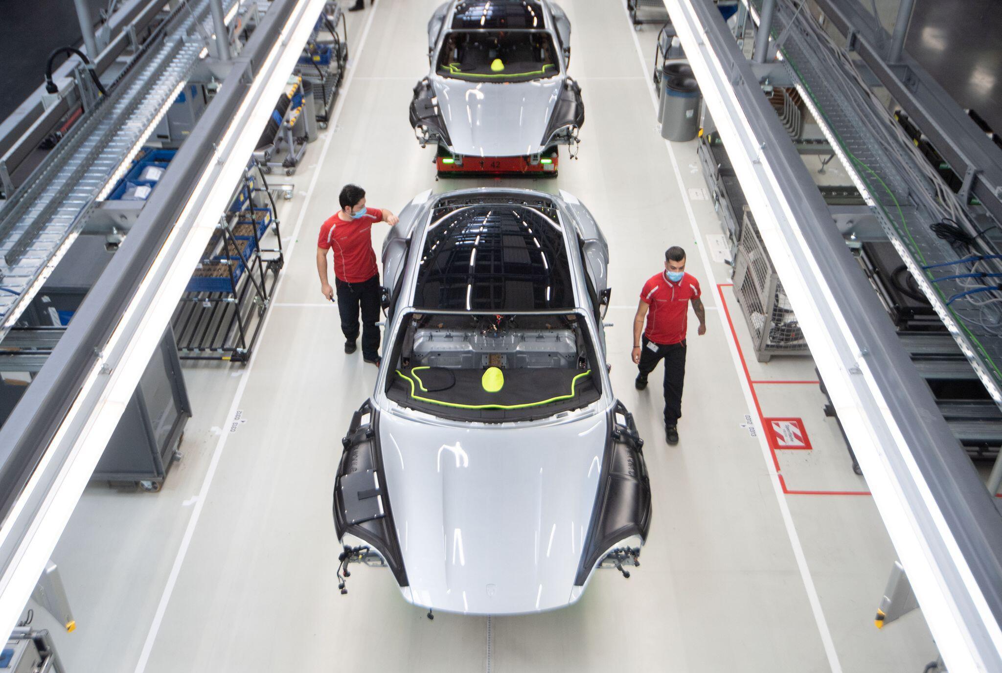 Bild zu Coronavirus - Porsche Produktion