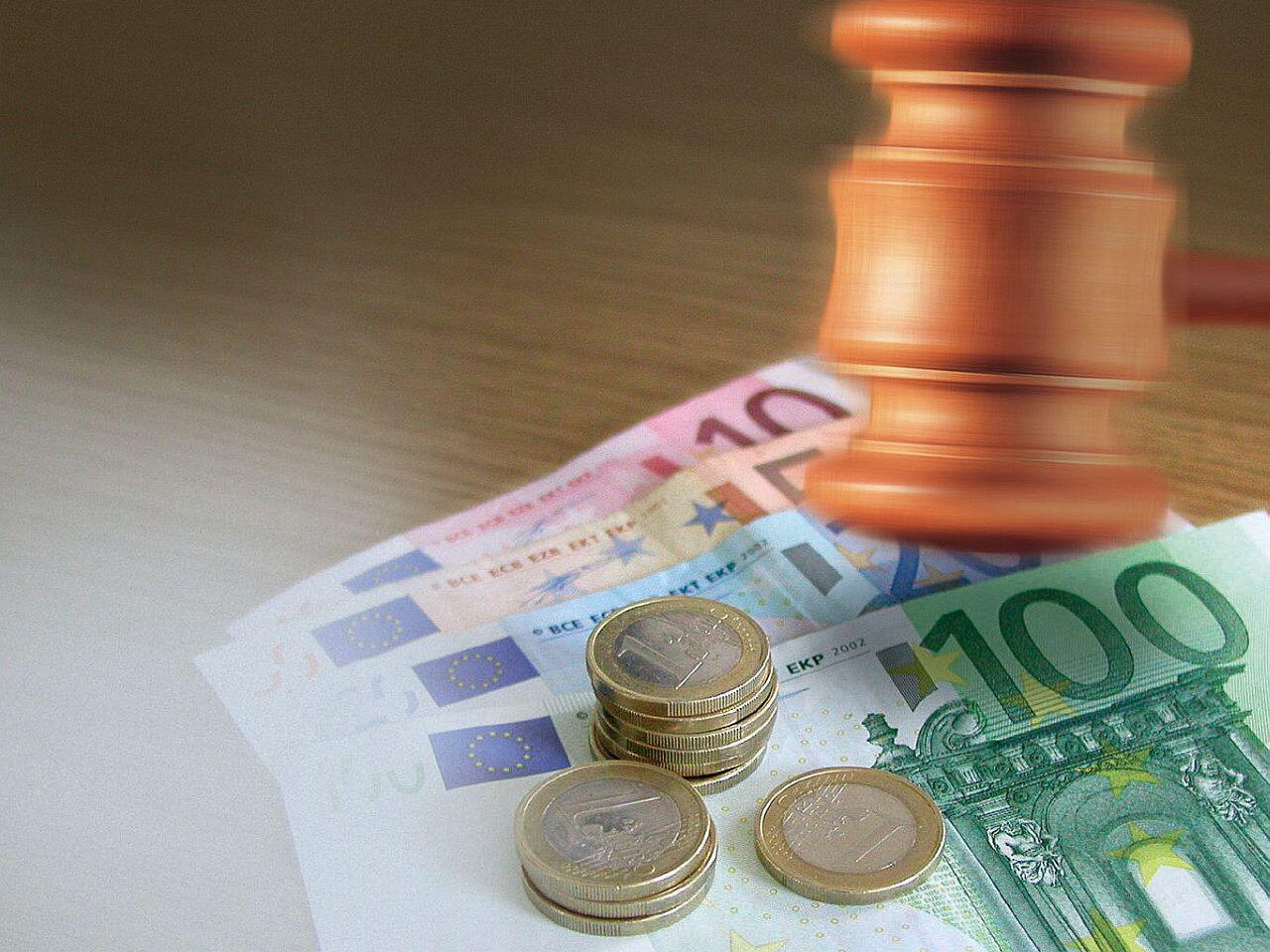 Bild zu Bußgeld in Deutschland - Verkehrssünder werden mächtig zur Kasse gebeten
