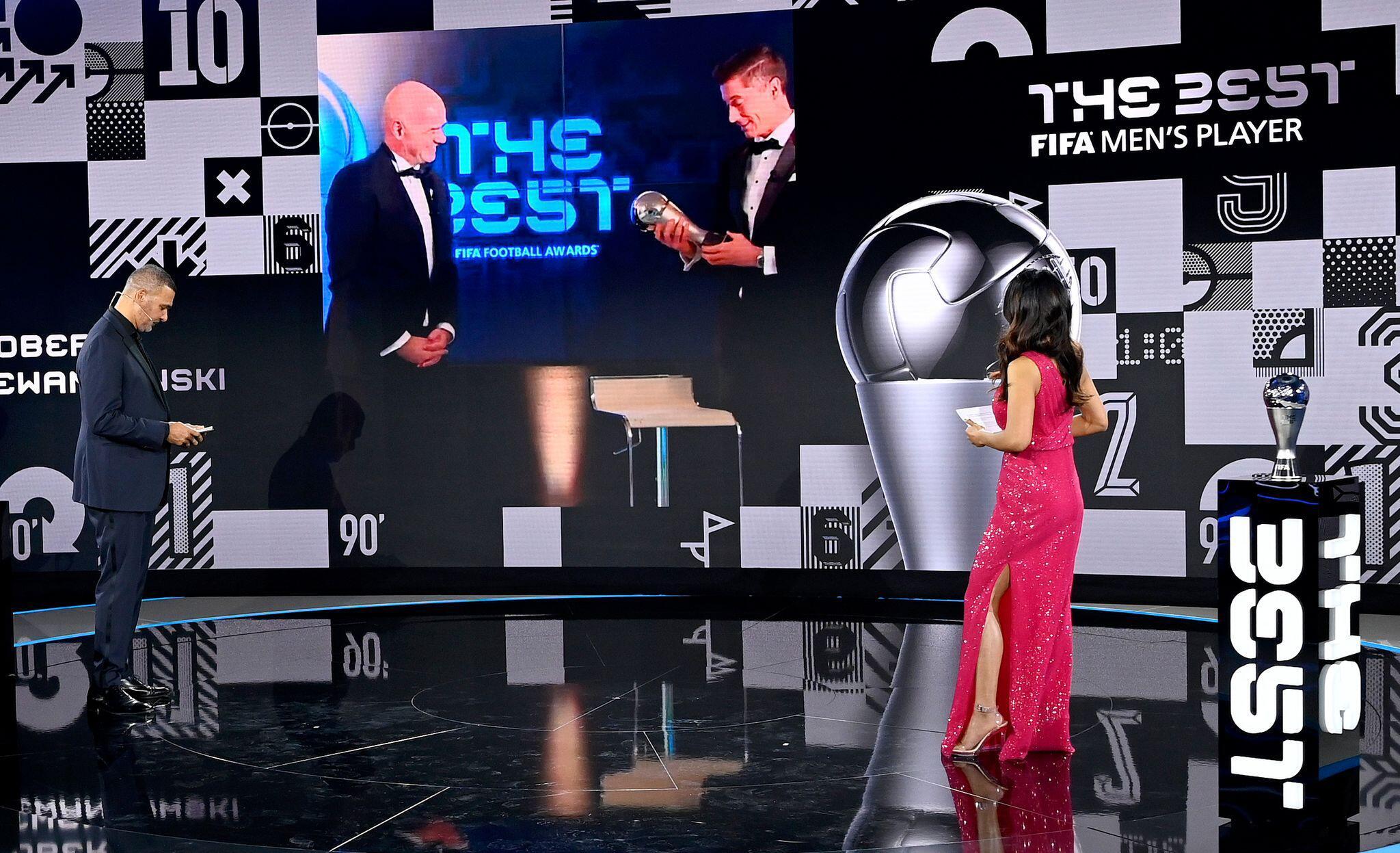 Bild zu FIFA Kür der Weltfußballerin und des Weltfußballers