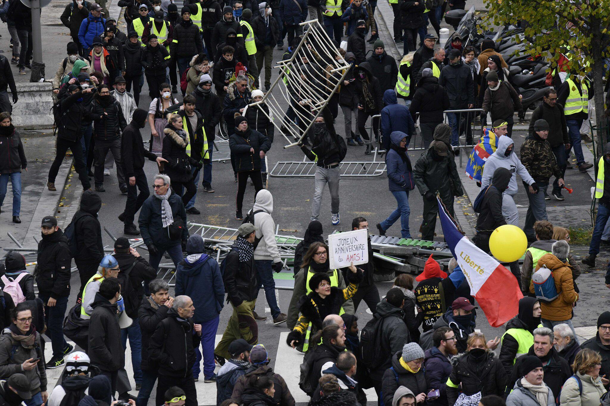 Bild zu Ein Jahr «Gelbwesten»-Proteste