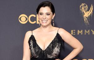 Star-Schauspielerin Rachel Bloom kaufte sich ihr Kleid für die Emmy Awards selbst