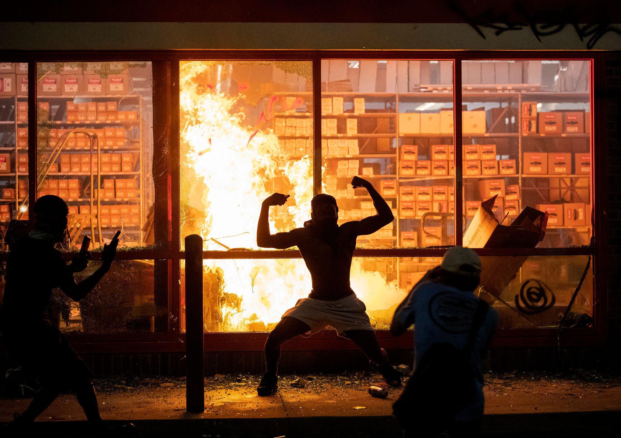 Bild zu Afroamerikaner stirbt nach brutalem Polizeieinsatz