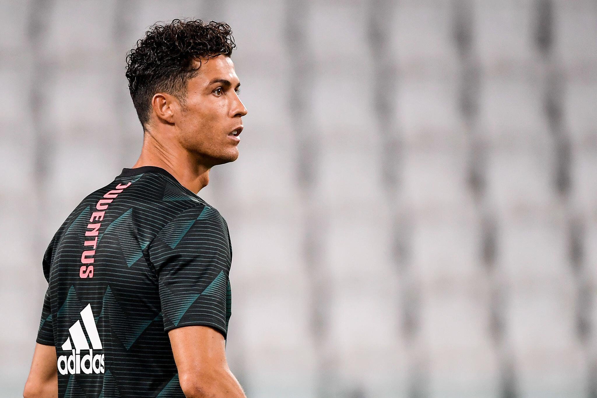 Bild zu Fußball-Superstar Cristiano Ronaldo positiv auf Coronavirus