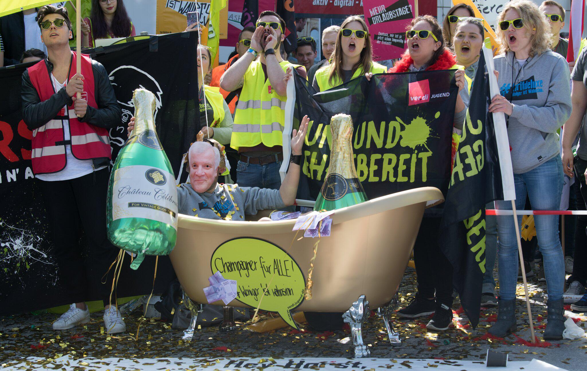 Bild zu Tarifverhandlungen für den öffentlichen Dienst