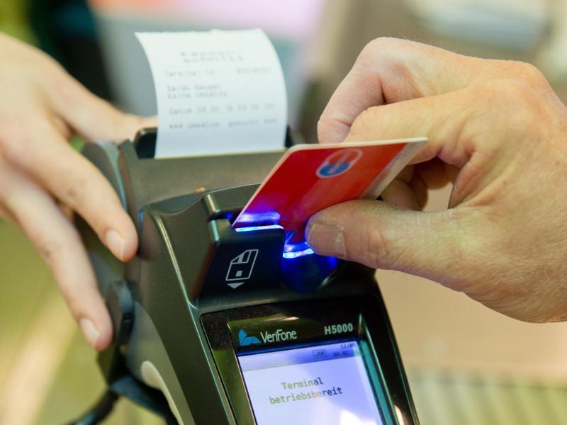 Bild zu Zahlung per EC-Karte