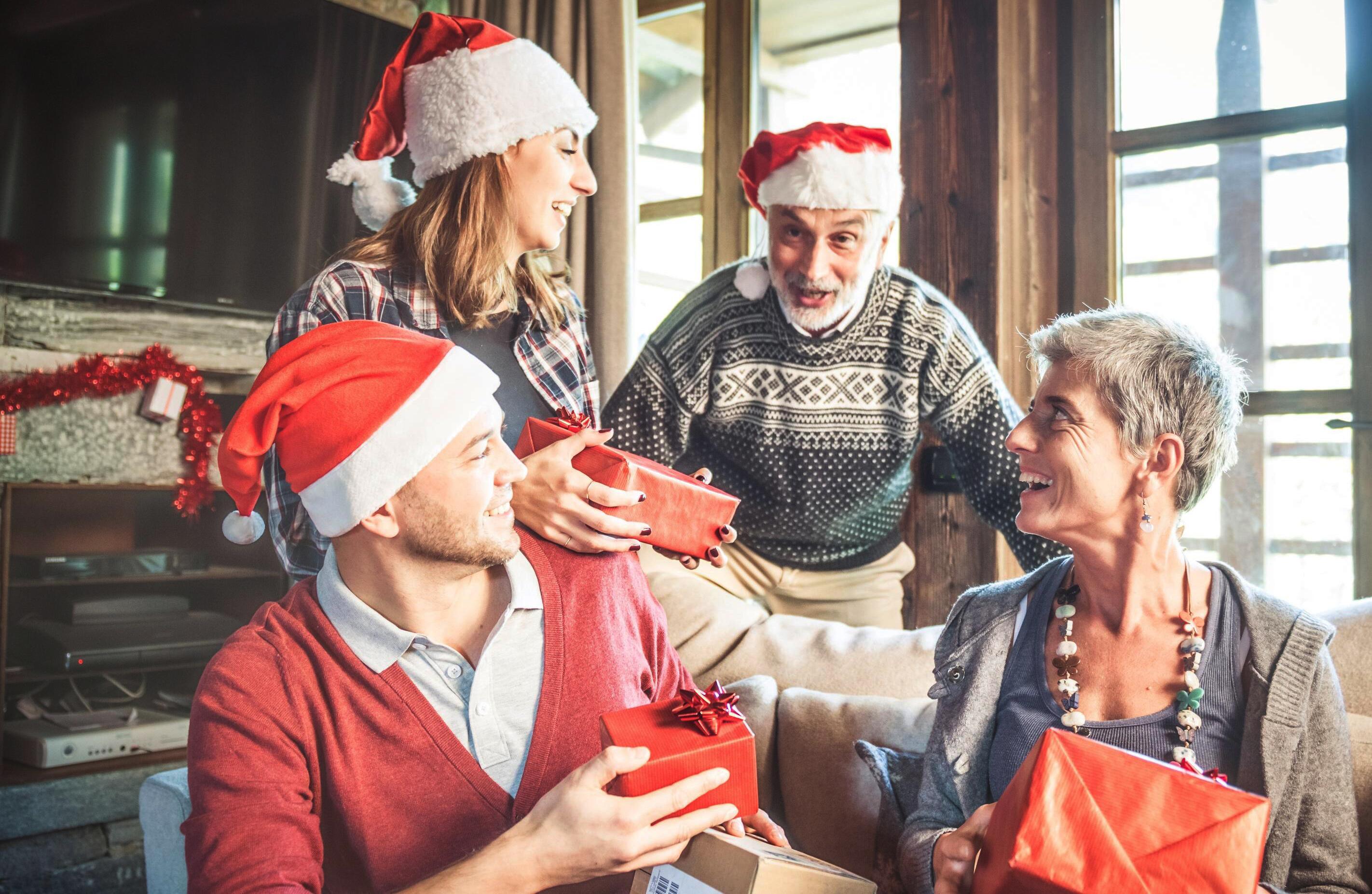Bild zu geschenke, weihnachtsgeschenke, schwiegereltern, weihnachten, advent, krimidinner, weinverkostung