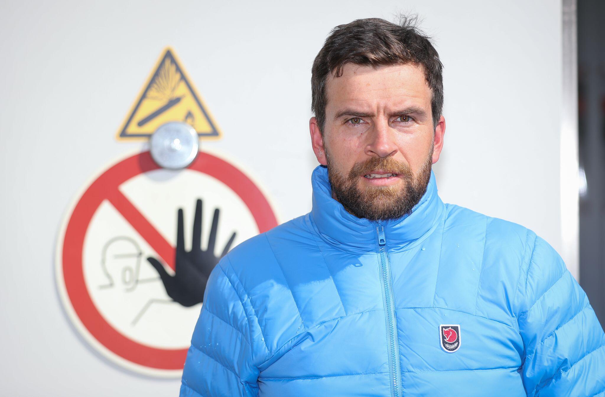 Bild zu Extrem-Sportler Jonas Deichmann in der Kältekammer
