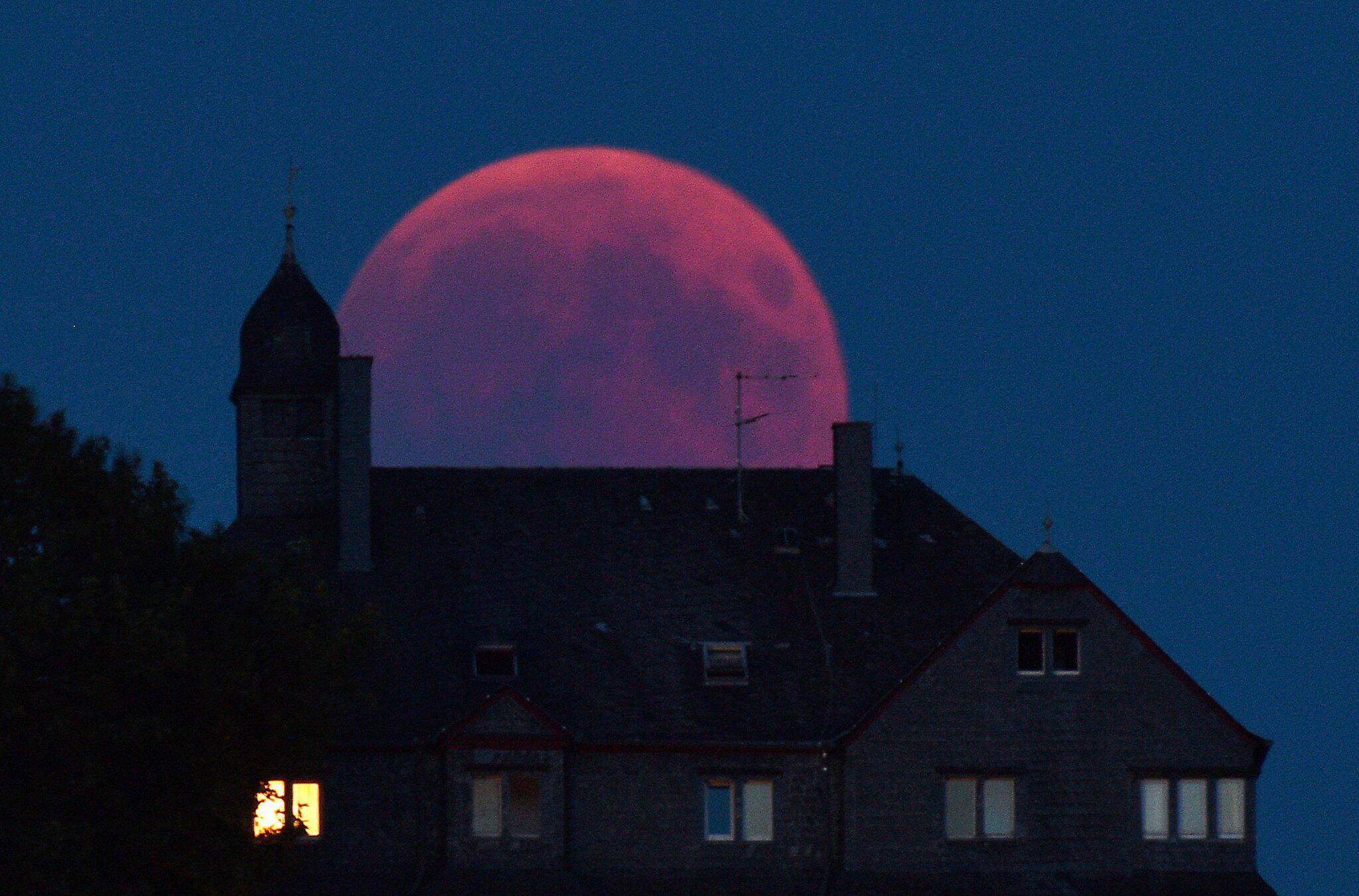 Bild zu Mondfinsternis, Rheinland-Pfalz