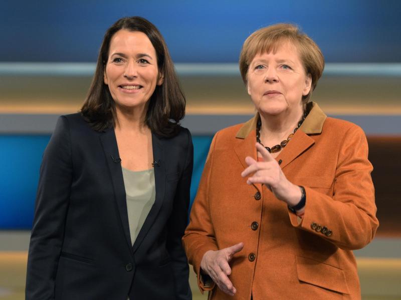 Bild zu Merkel zu Gast bei Anne Will