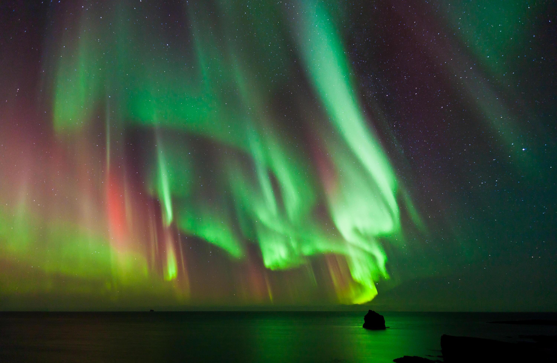Bild zu Aurora Borealis über dem Atlantischen Ozean