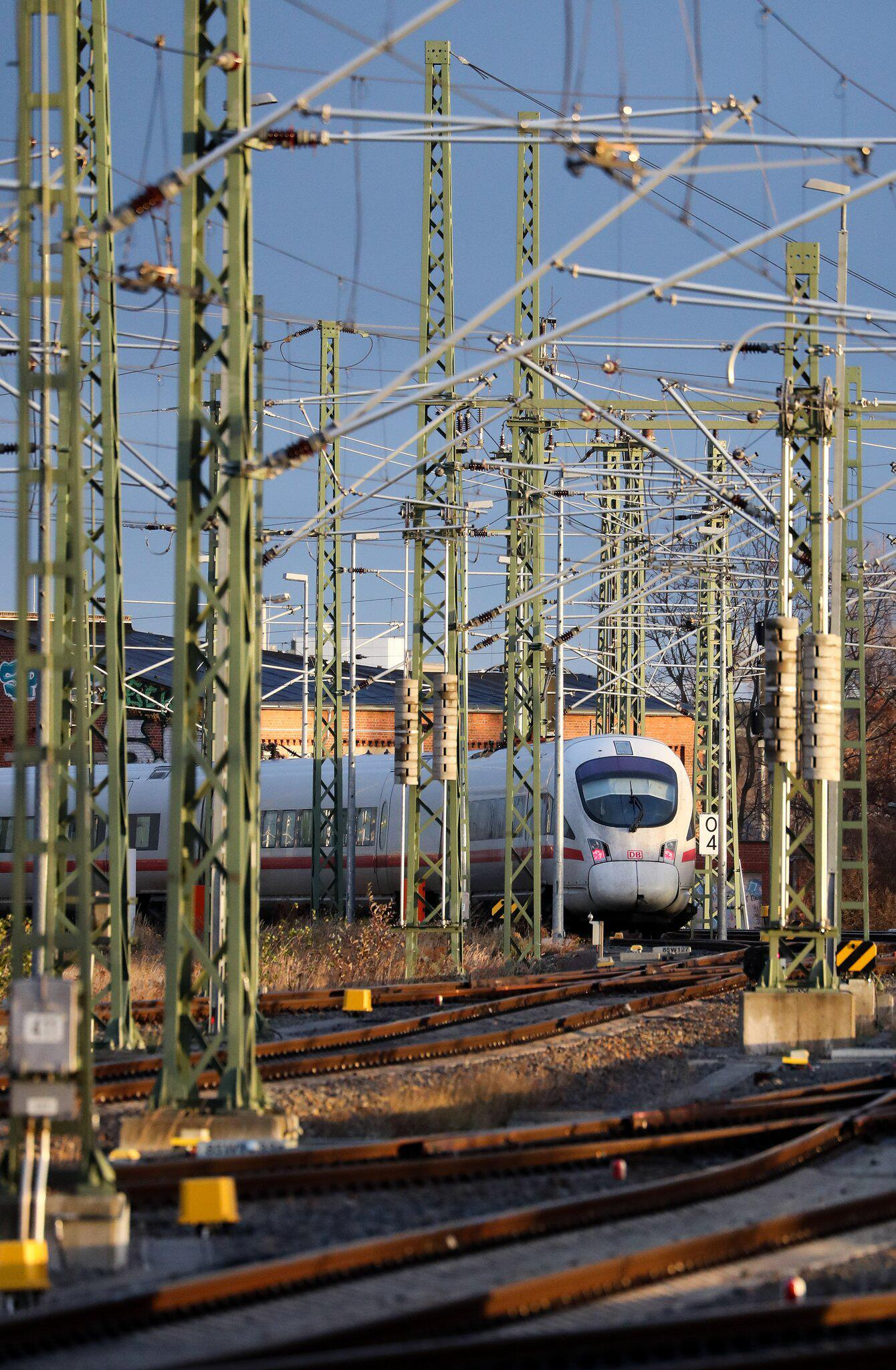 Bild zu Warnstreik, Deutsche Bahn, DB, Leipzig