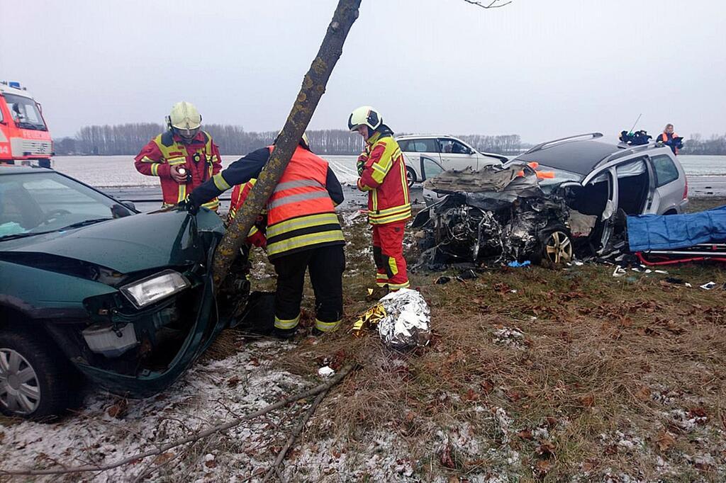 Bild zu Tödlicher Unfall auf Bundesstraße