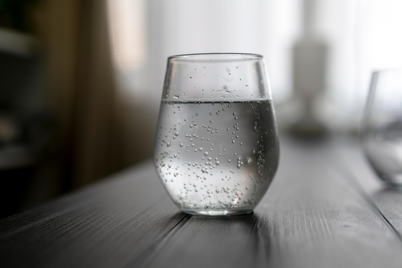 Bild zu Wasserglas, Wasser