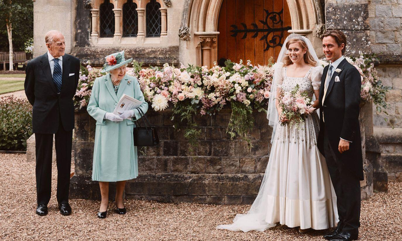 Bild zu Britische Prinzessin Beatrice hat geheiratet