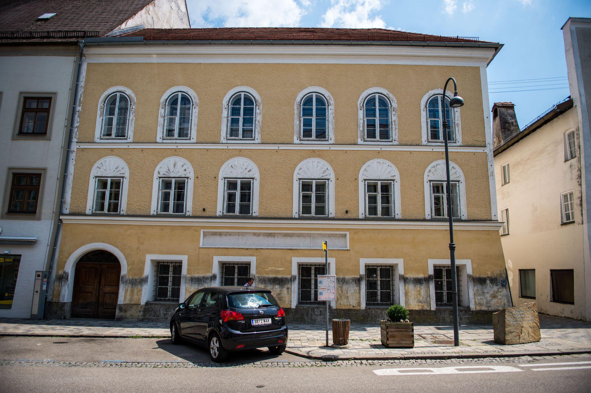 Bild zu Hitlers Geburtshaus wird zur Polizeistation
