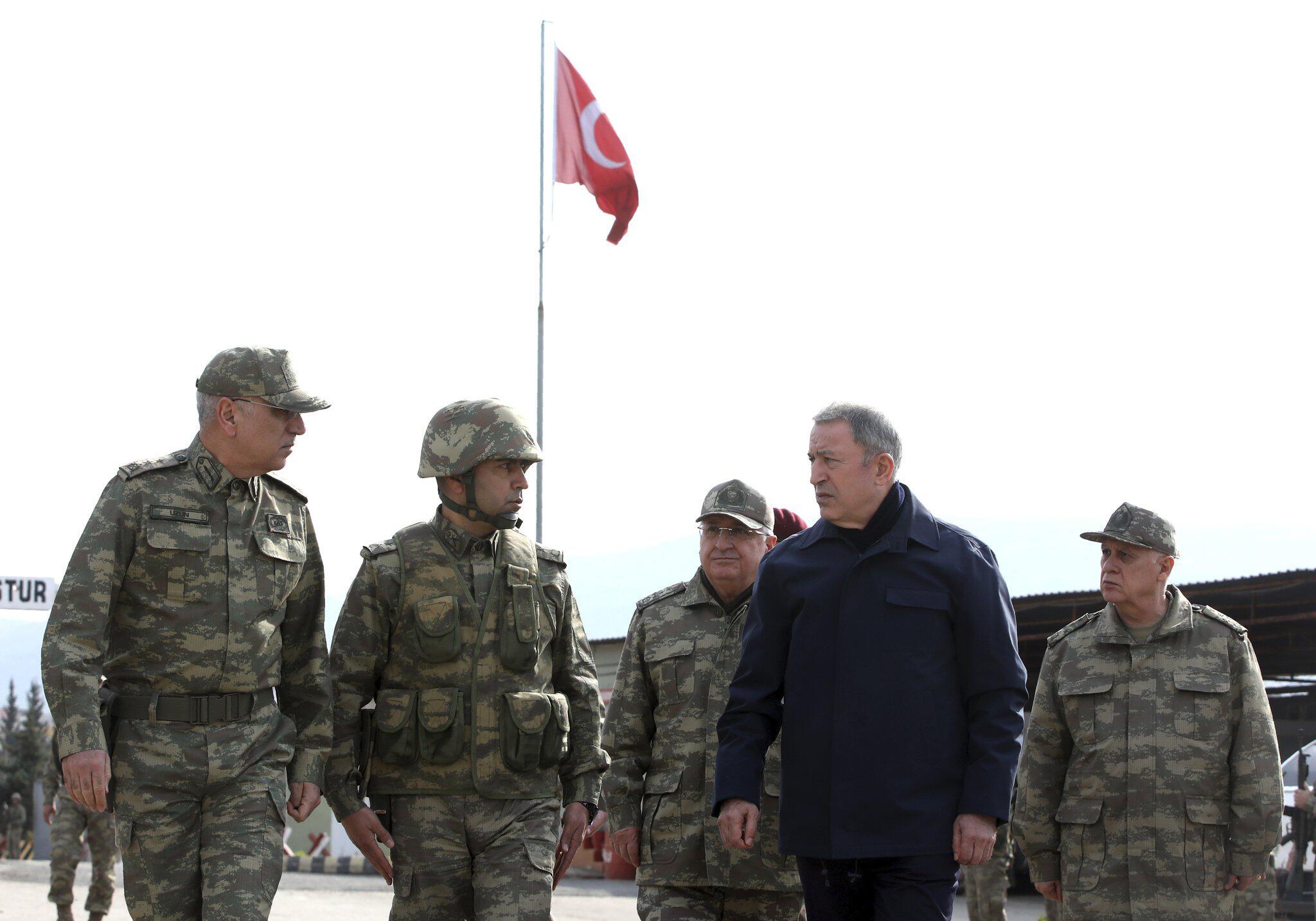 Bild zu Türkei startet Vergeltungsangriff in Syrien