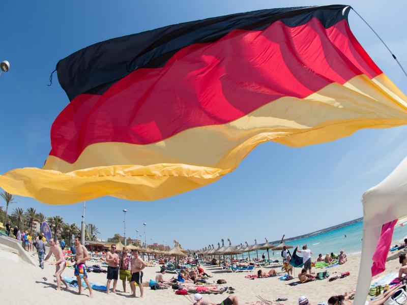Bild zu Deutsche Urlauber auf Mallorca