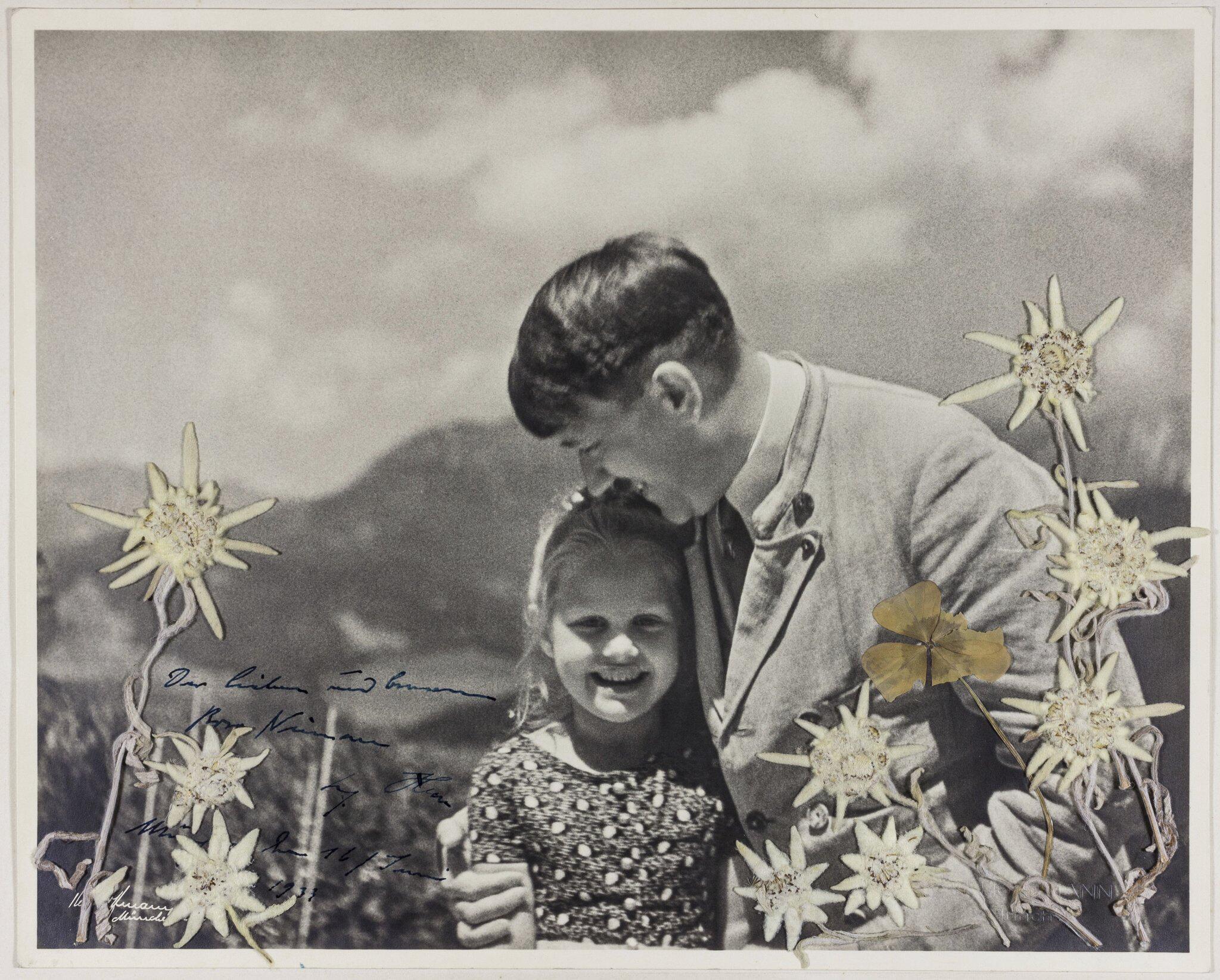 """Bild zu Foto mit Hitler und Bernhardine """"Rosa"""" Nienau"""