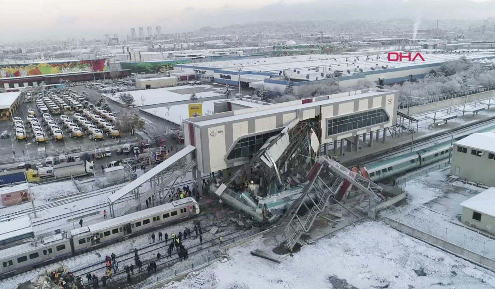 Bild zu Zugunglück in Ankara