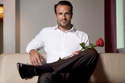 """Er ist der erste """"Bachelor"""" der Schweiz: Lorenzo Leutenegger."""