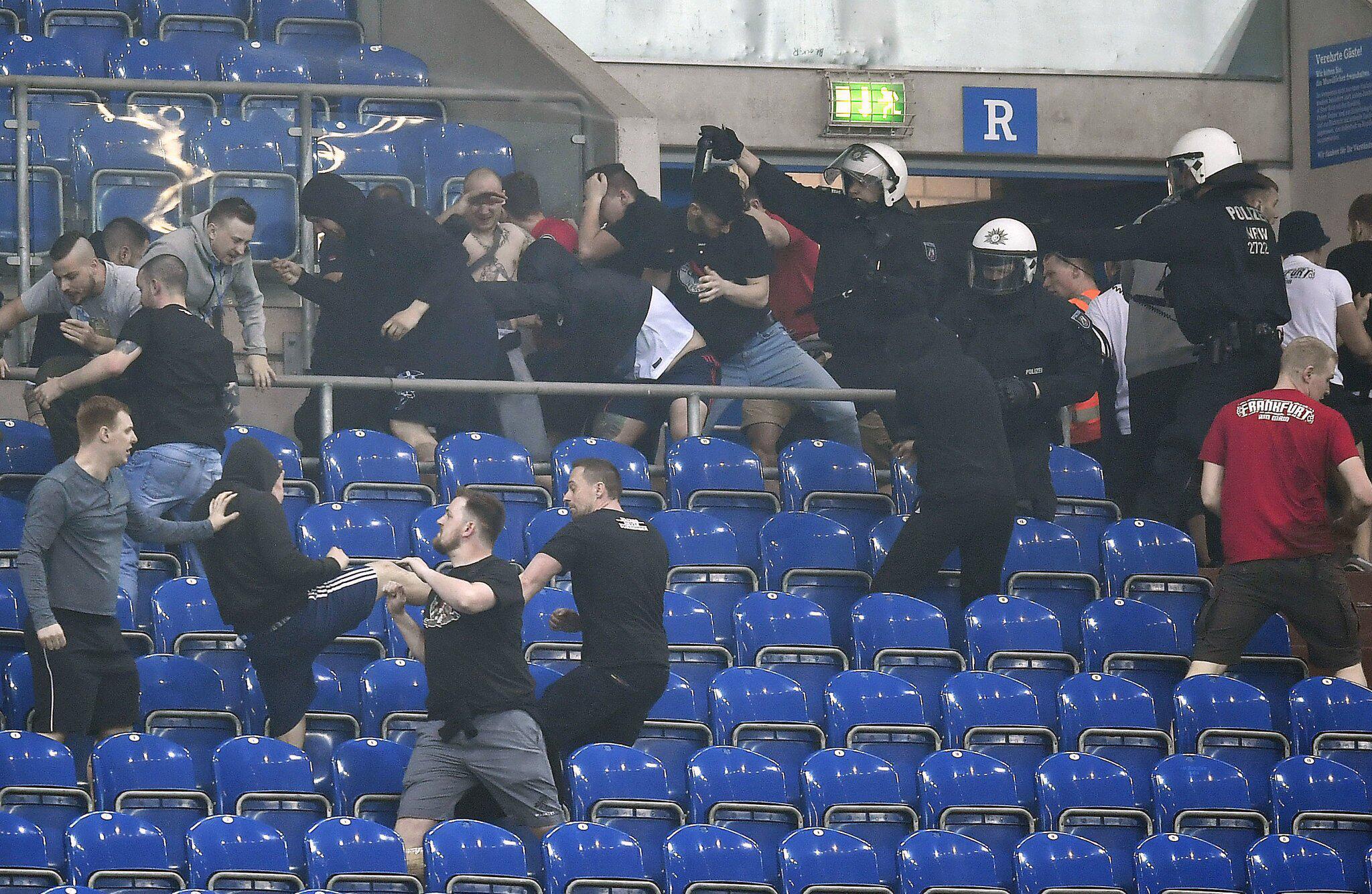 Bild zu FC Schalke 04 - Eintracht Frankfurt 0:1