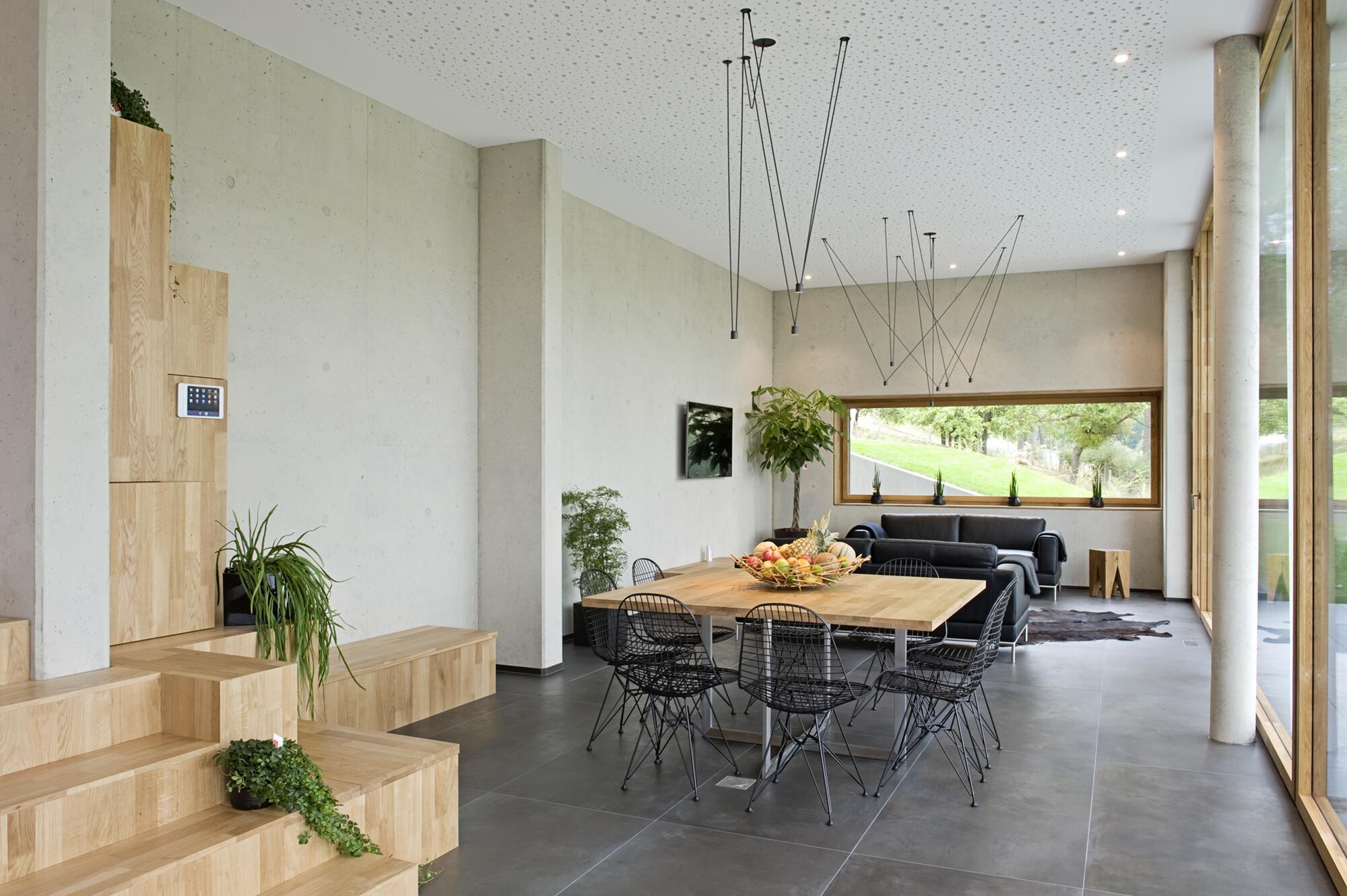 holz trifft beton im modernen einfamilienhaus