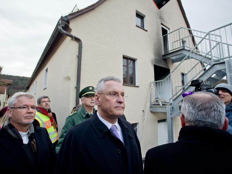 Bild zu Minister am Tatort