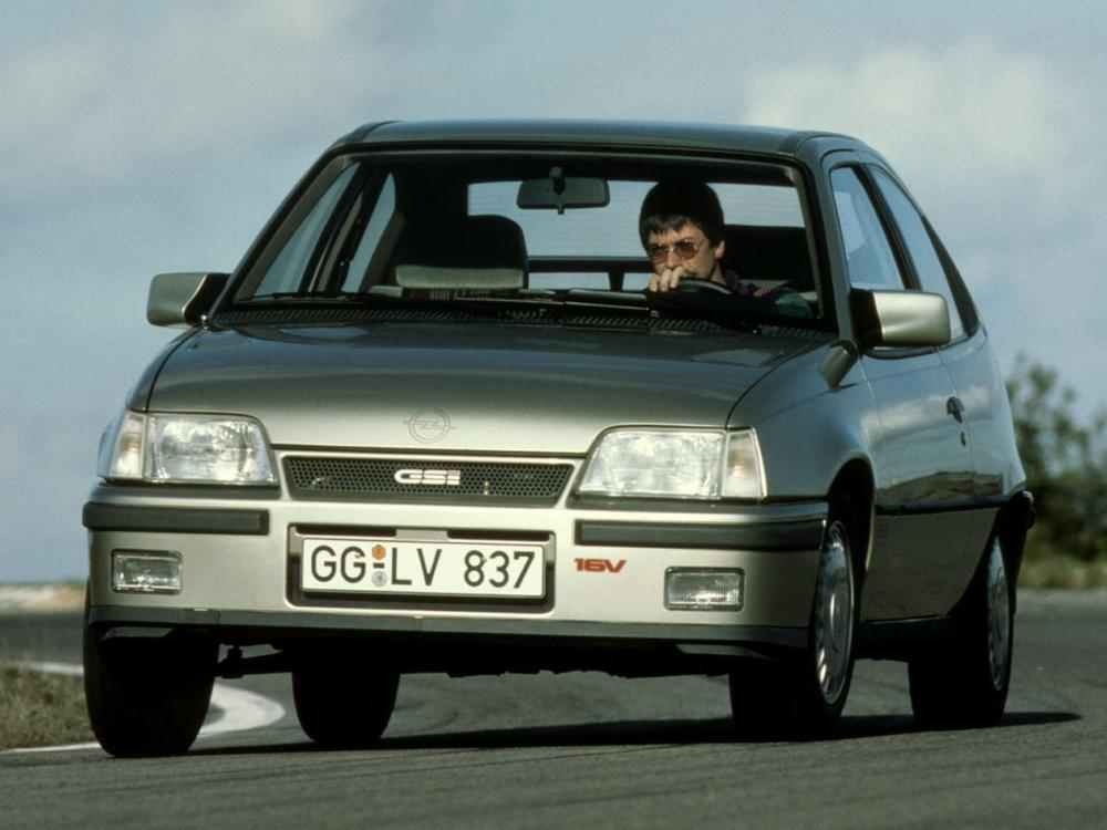 Bild zu Opel Kadett 2.0i GSi 16V