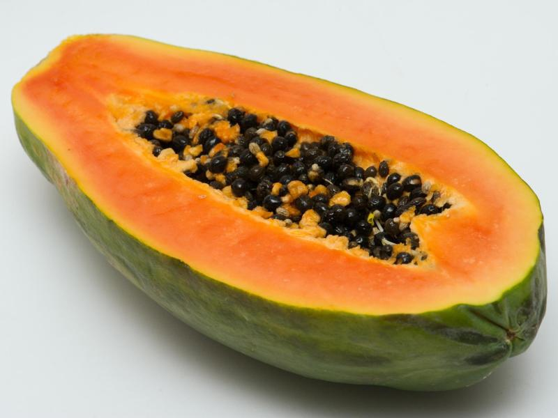 Bild zu Aufgeschnittene Papaya