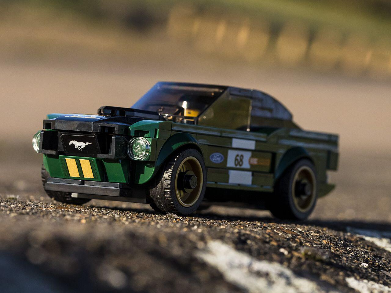 Bild zu Mustang im Race-Trimm