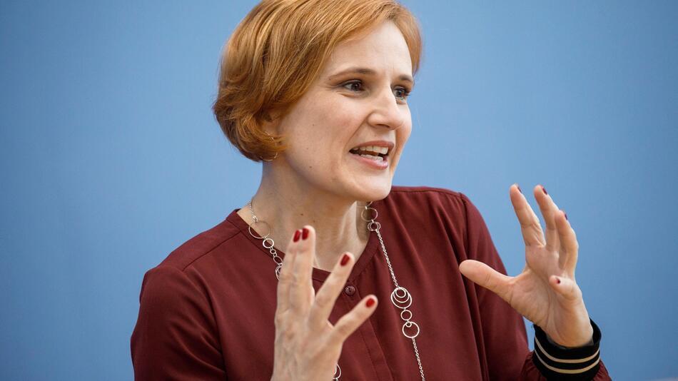 After election in Hamburg - press conference Die Linke