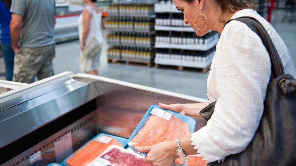 Beim Fischkaufen sollten Verbraucher aufpassen.