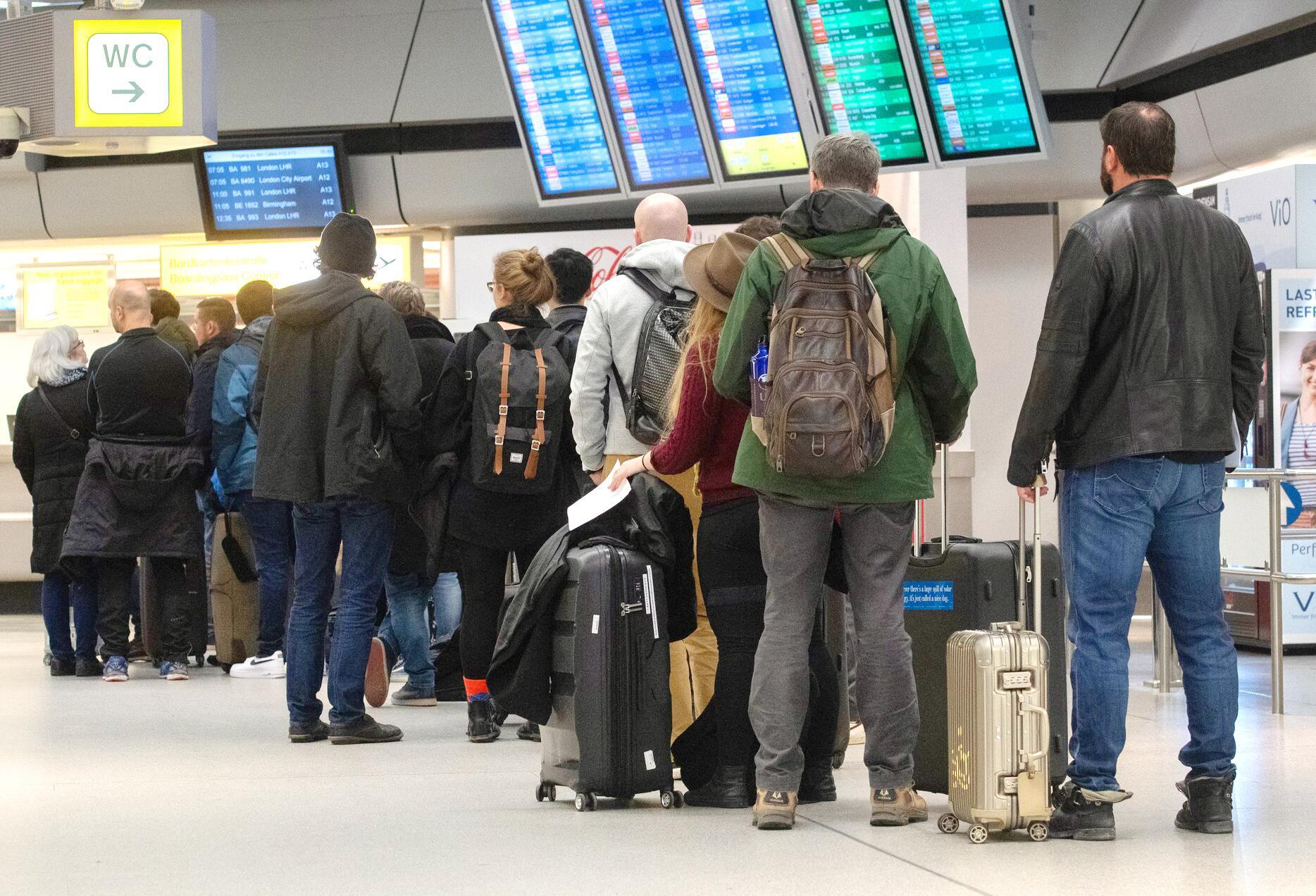 Bild zu Warnstreik am Flughafen Tegel