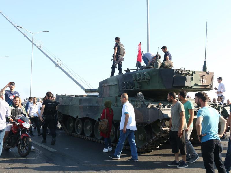 Bild zu Panzer in der Türkei
