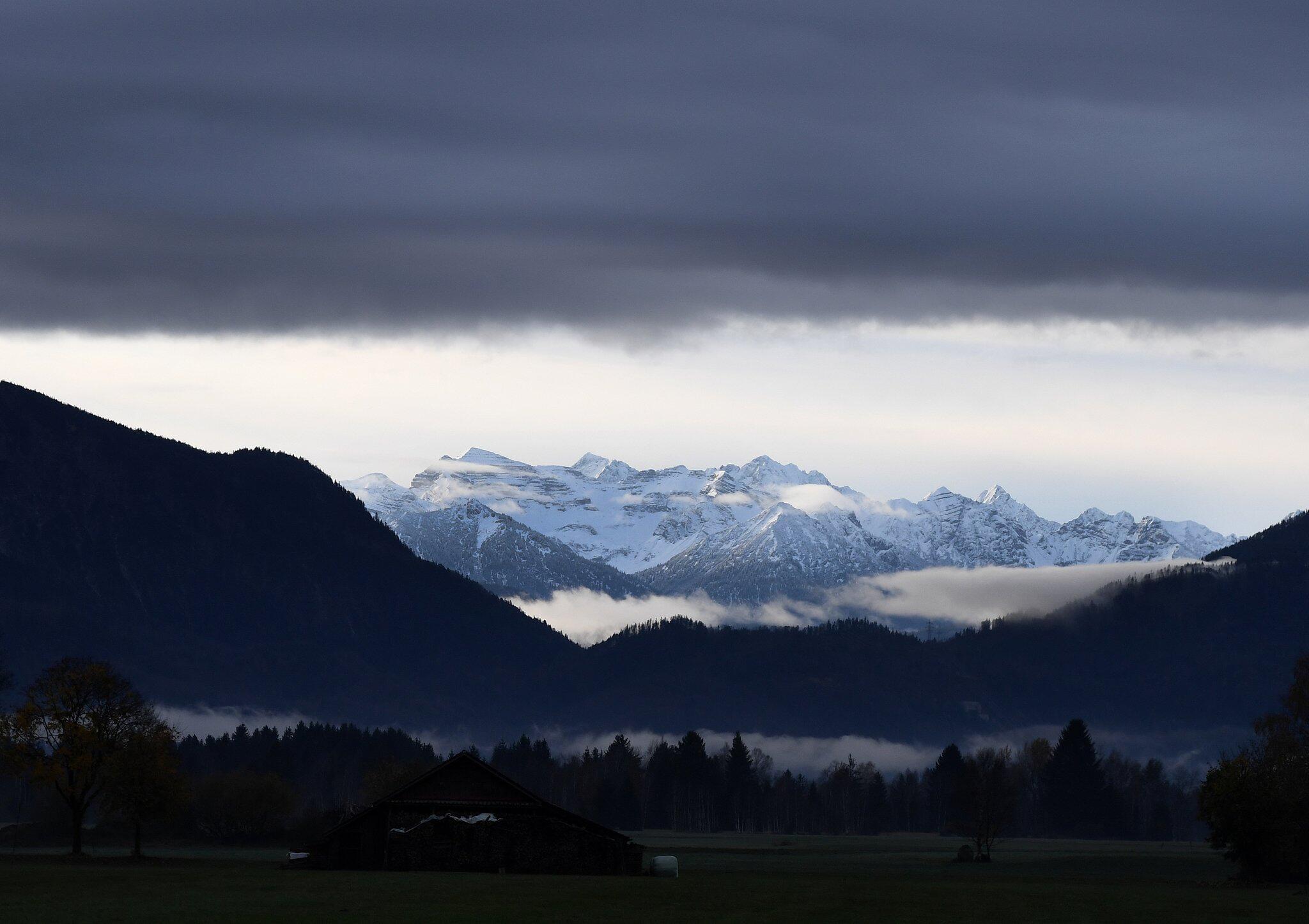 Bild zu Morgenstimmung in den Bergen