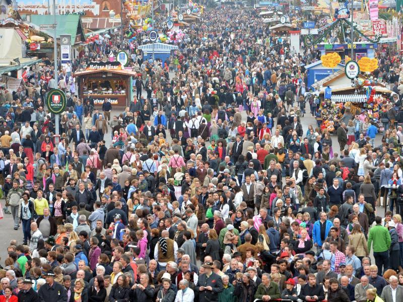 Bild zu Oktoberfest in München