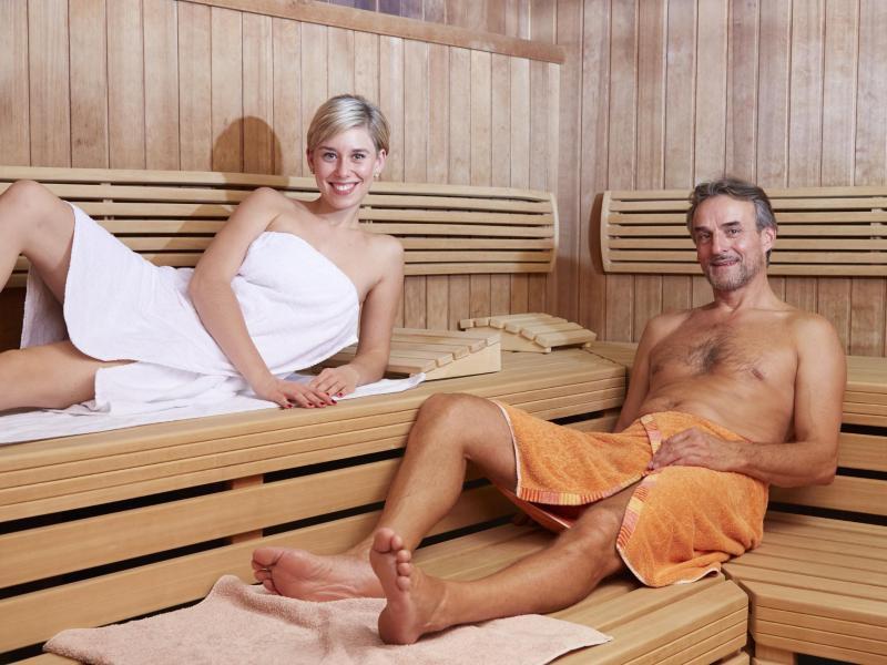 Nackte Frauen Sauna