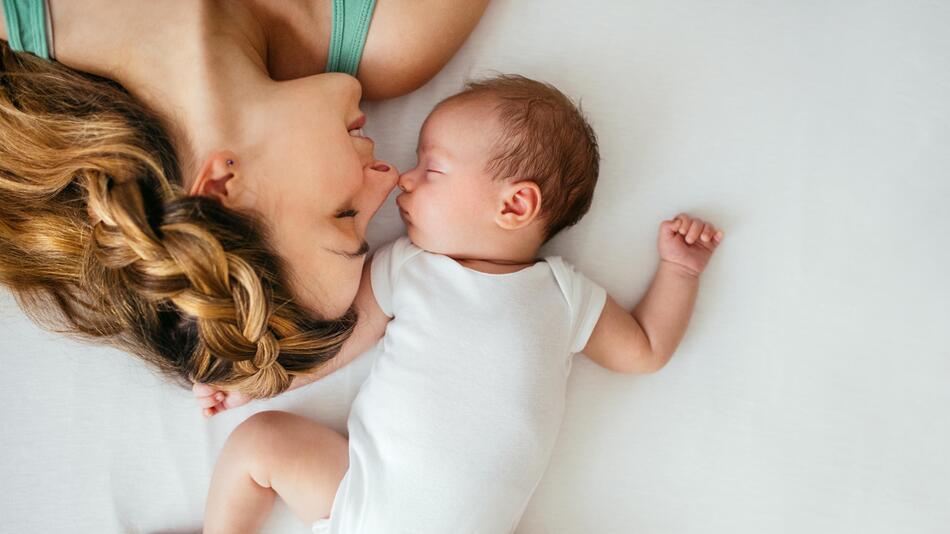 baby, neugeborenes, säugling, kleidung, body, schlafsack, praktische kleidung