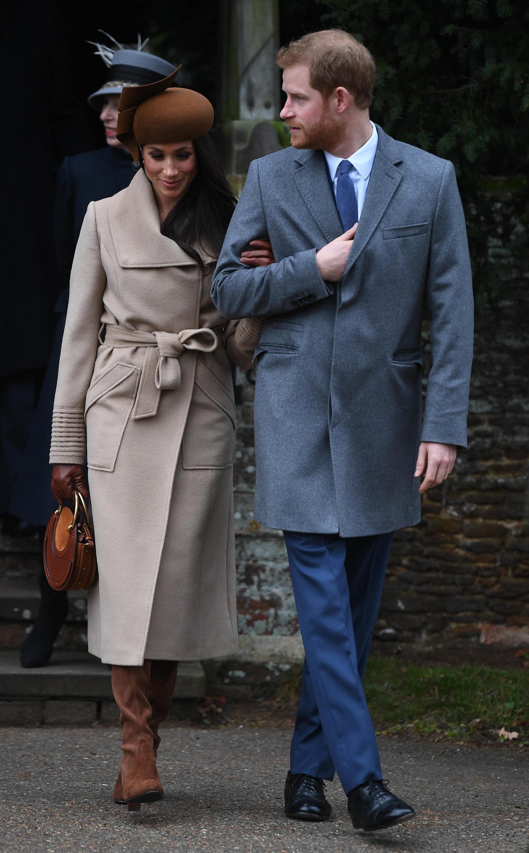 Bild zu Britische Königsfamilie besucht Weihnachtsgottesdienst