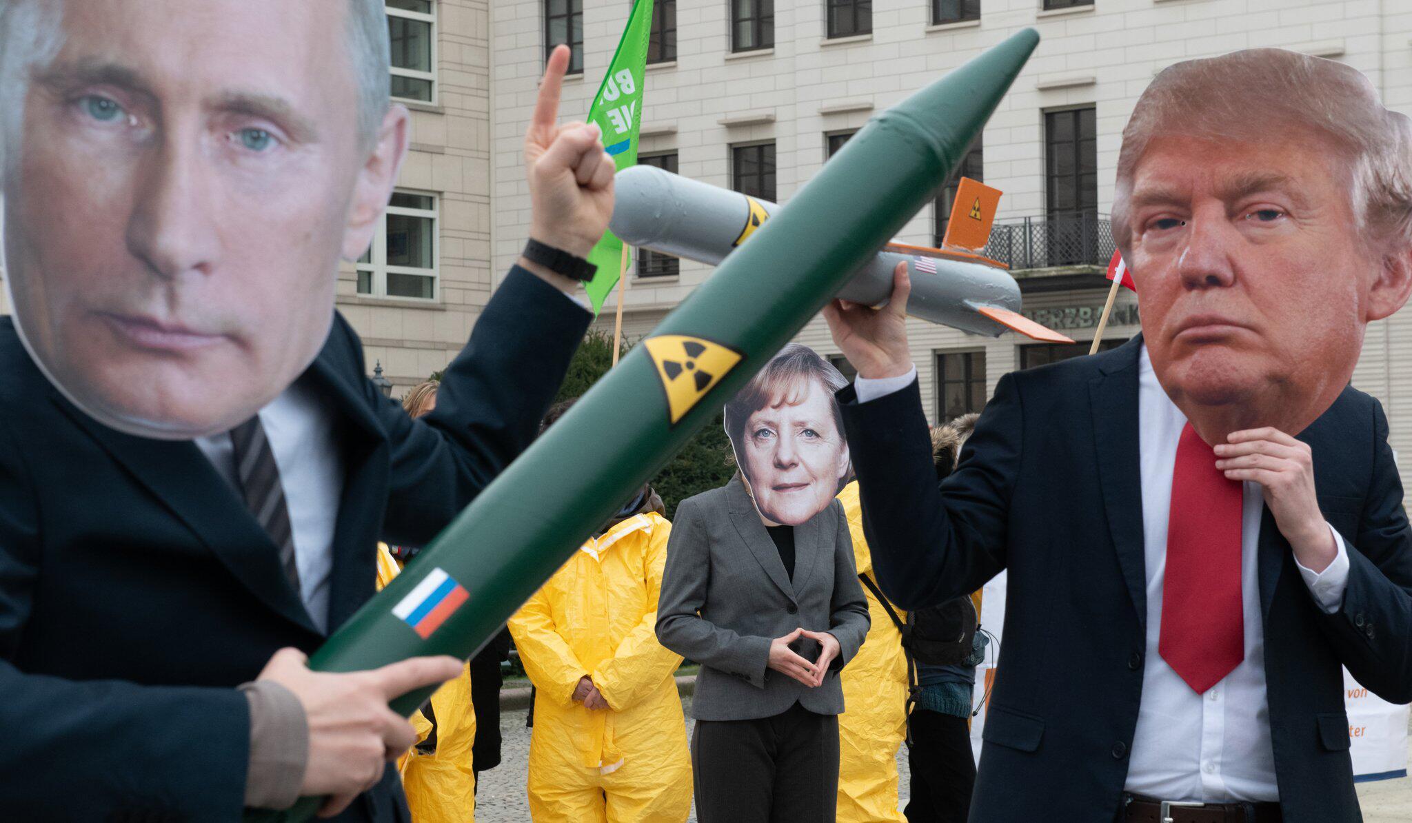 Bild zu Protest gegen Auflösung des INF-Vertrages