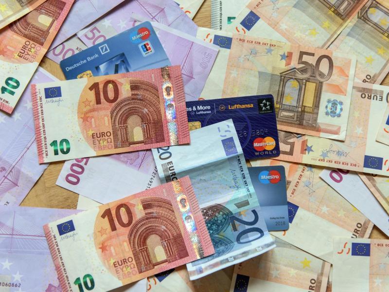 Bild zu Euro-Geldscheine und Karten
