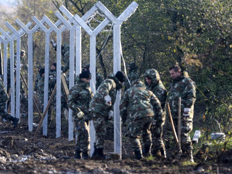 Bild zu Grenzzaun in Mazedonien