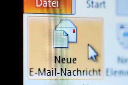 Email an eine Behörde