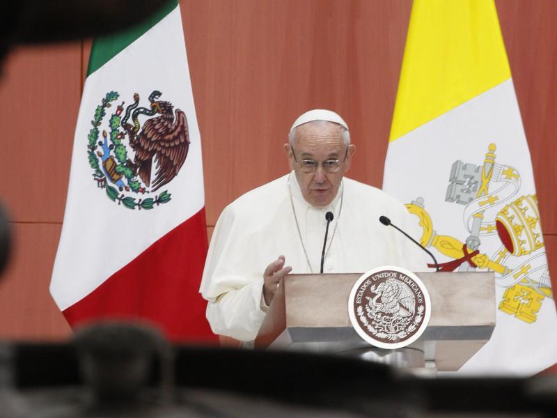 Bild zu Papst kritisiert fehlende Solidarität